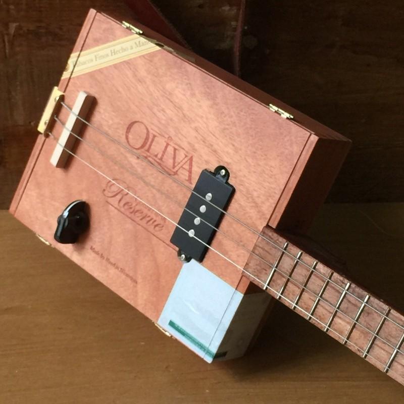 micro guitare 3 cordes