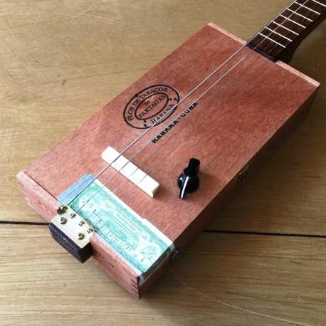 micro guitare 4 cordes