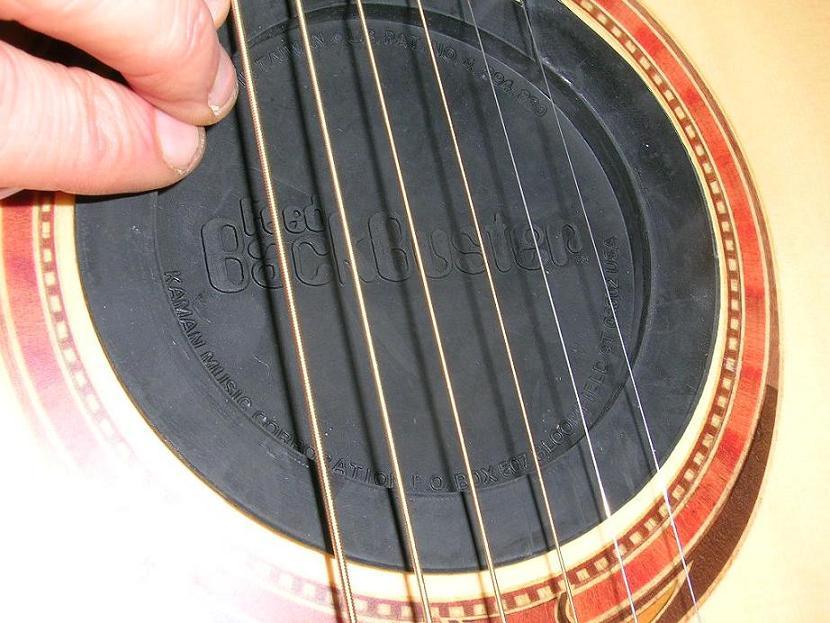 micro guitare acoustique rosace