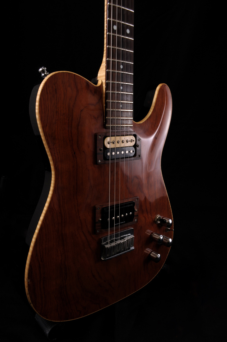 micro guitare bordeaux