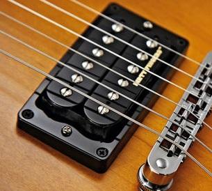 micro guitare fait main