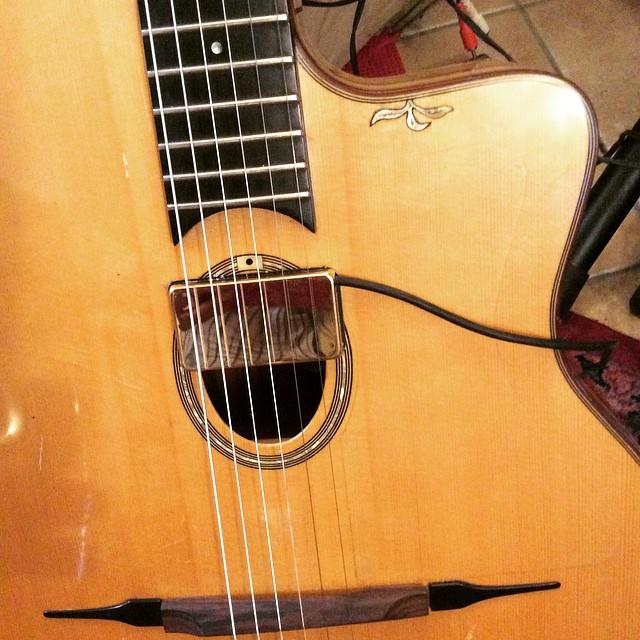 micro guitare peche a la mouche